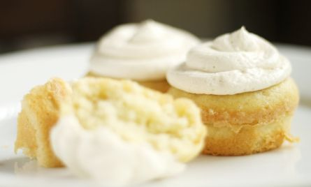 lemon almond cupcakes