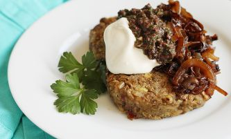 spicy lentil patties with tapenade